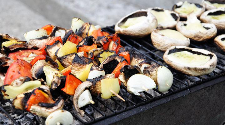 Comment survivre au barbecue quand on est végétarien ou vegan ?