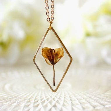 Collier fleur sechées