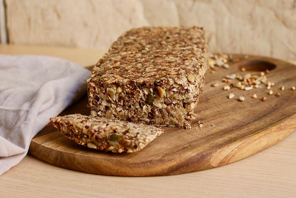 Pain complet maison aux graines : sans farine, sans levure, sans gluten